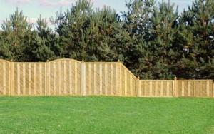 Welche Varianten von einem Holz-Sichtschutzzaun gibt es?