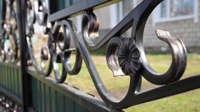 Welche Vorteile haben Zäune aus Polen?